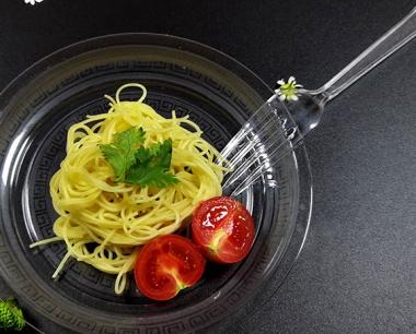 一次性水晶餐具对比传统的水洗消毒餐具有什么优势呢?